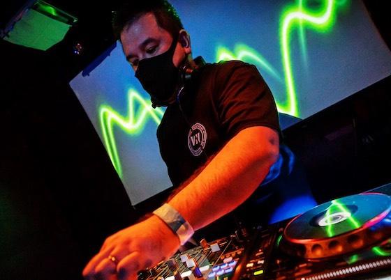 DJ 34