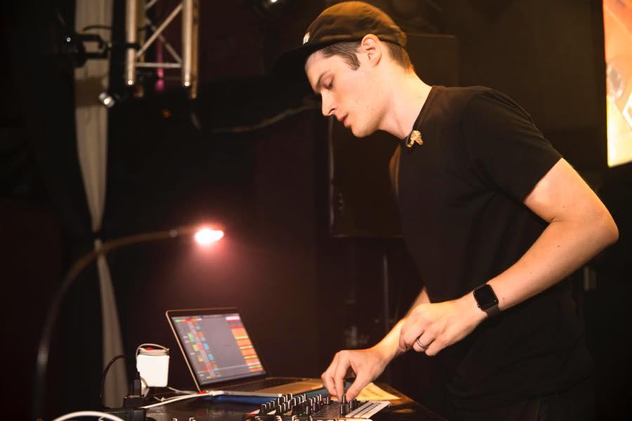 18/08/17(fri) MODERN DISCO feat.RAC
